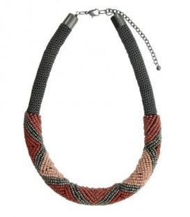 Gekleurde metalen halsketting van kralen