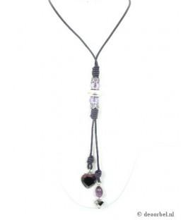 Paarse lange koordhalsketting met hartvormige hangers