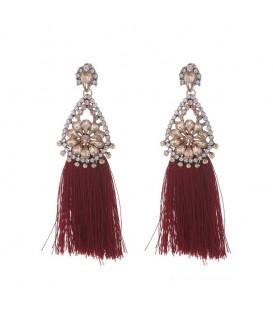 Mooie rode oorhangers met kwastjes en glitter details