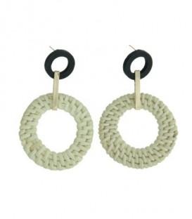 Creme oorbellen met zwarte ring en rond element van stro