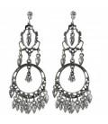 Zilverkleurige oorbellen met glas hangertjes