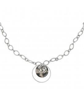 Zilverkleurige halsketting met ronde bedels, een wereldbol, een luipaardprint en een cirkel