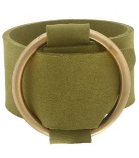 Groene brede armband met gesp. Lengte van de armband is 27,5 cm. Breedte van de armband is 4 cm