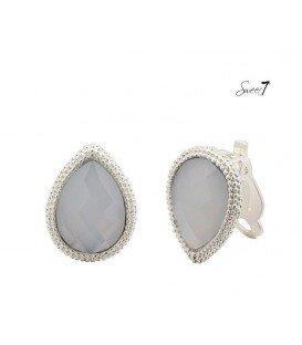 Witte oorclips met een zilverkleurige rand