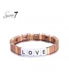 Creme armband met de letters love