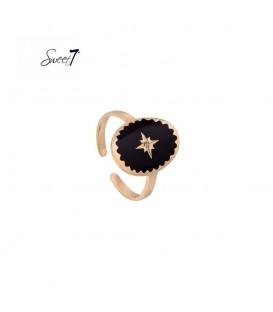 goudkleurige ring met zwarte steen met ster