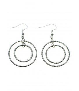 zilverkleurige oorbellen met als hanger 2 ringen